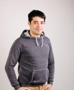 Михаил Крестинин , Ведущий эфира, хоккейный комментатор  на Радио Зенит
